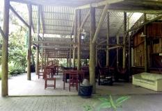 Restaurante e área de descanso